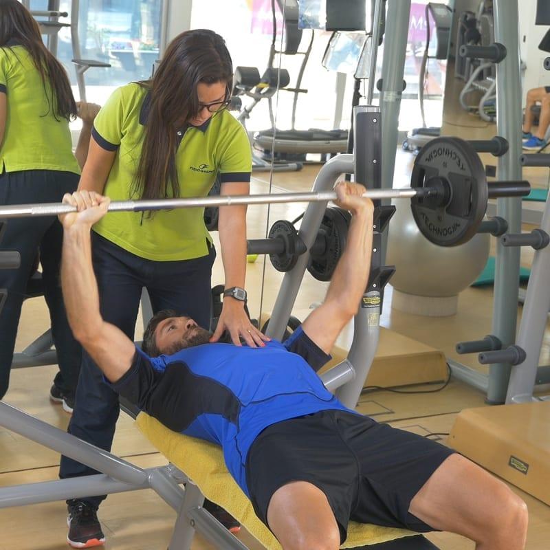 homem a fazer exercício físico